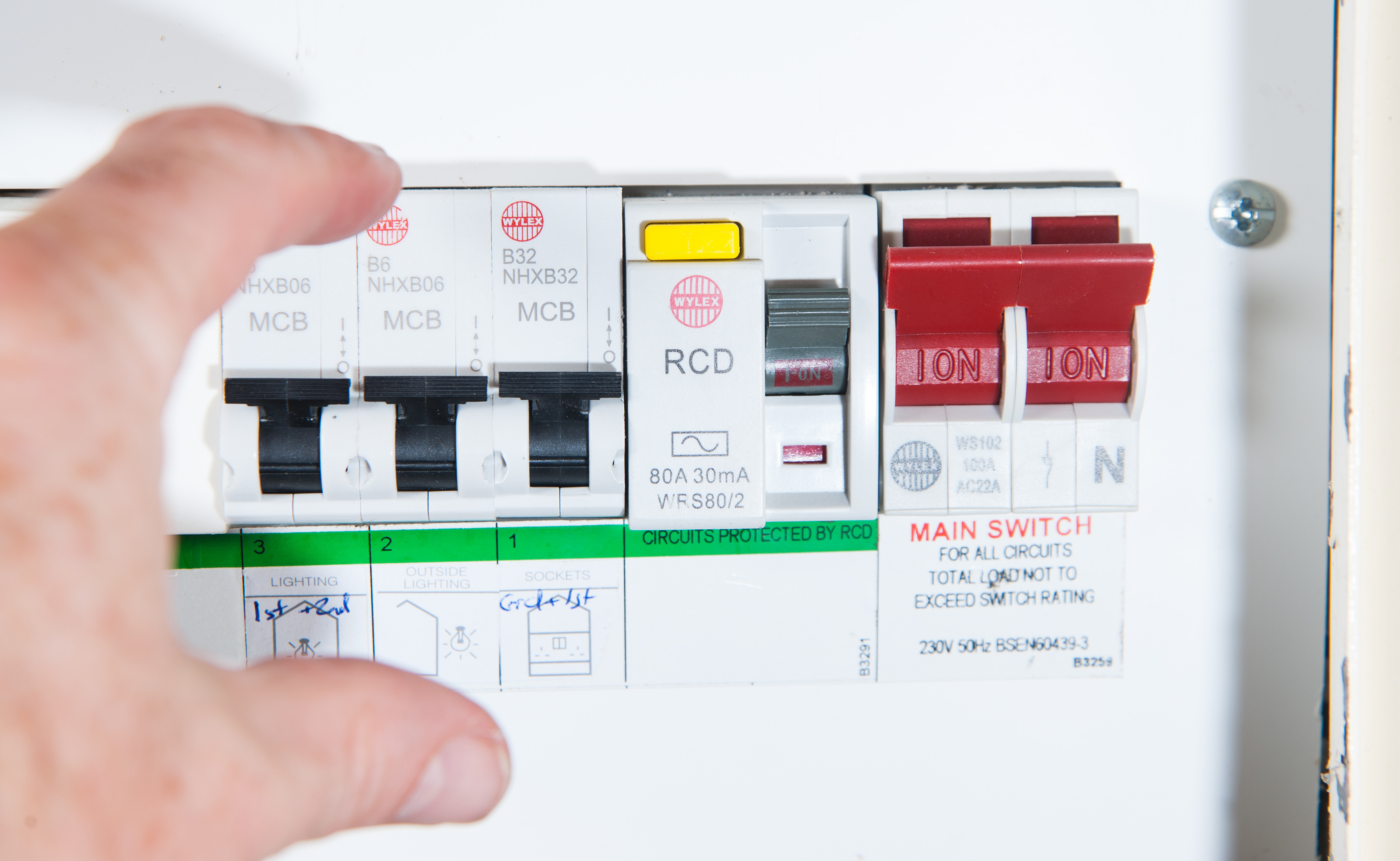 domestic rga electrical solutions 2000 ford focus fuse box diagram domestic home electrics main fuse box photograph taken by simon dack